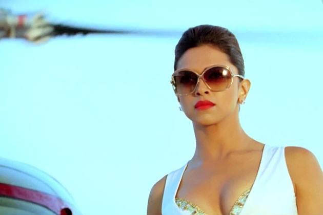Hot#Race Deepika Padukone