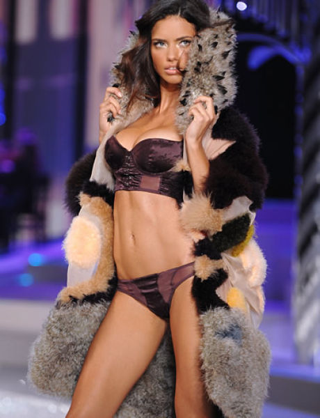 Worlds-Top-Sexiest-Women-Adriana-Lima
