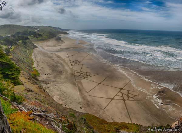 MindBLOWN-A-Single-Rake-To-The-Beach-Andres-Amador's-ArtScape7