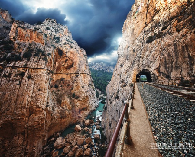 29-photos-that-will-inspire-you-to-travel-thedangerous-caminito-del-rey-in-el-chorro-spain