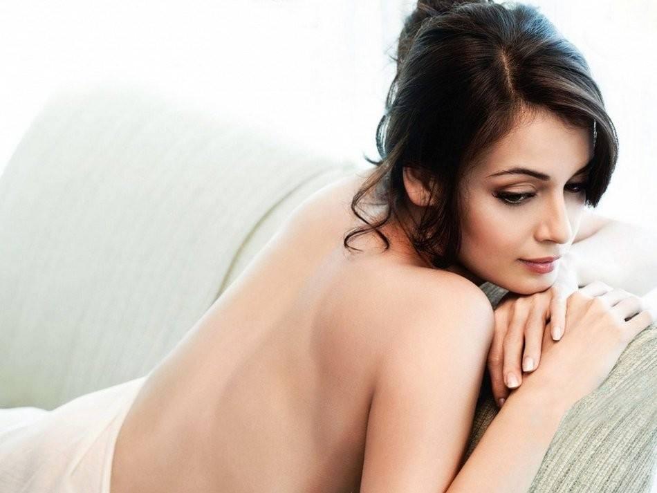 Hot-n-Sexy-BolywoodBlastGirl-Diya-Mirza