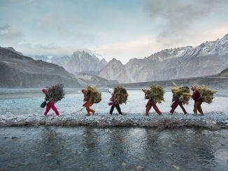 GatheredGreensWakhiWomenPakistan