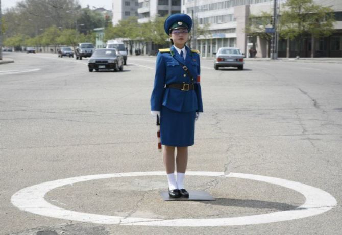 north-korean-traffic-guard
