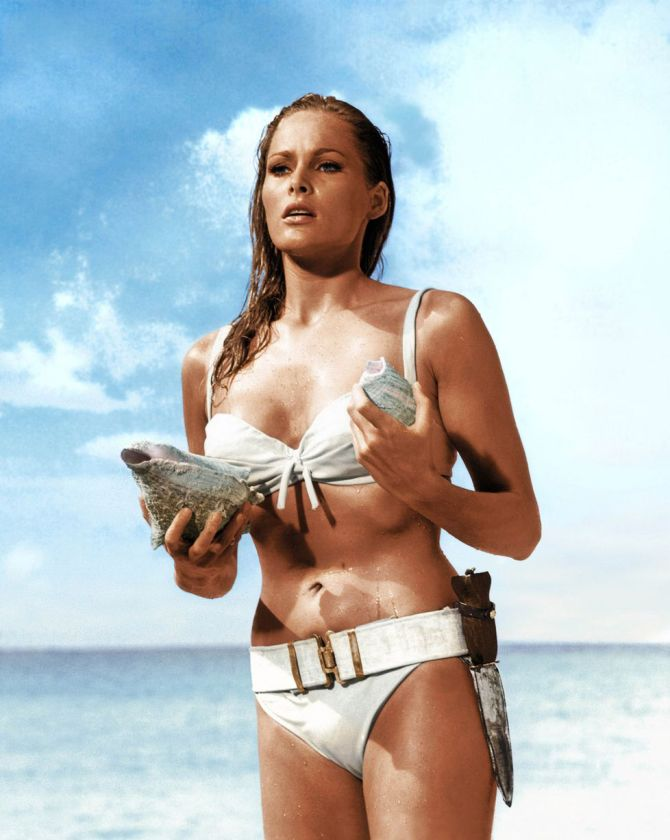 HotGlamorousWomenOnEarth-UrsulaAndress