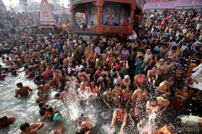 LargestPeopleGatheringInTheWorld-Kumbh-Mela--Haridwar-INDIA3