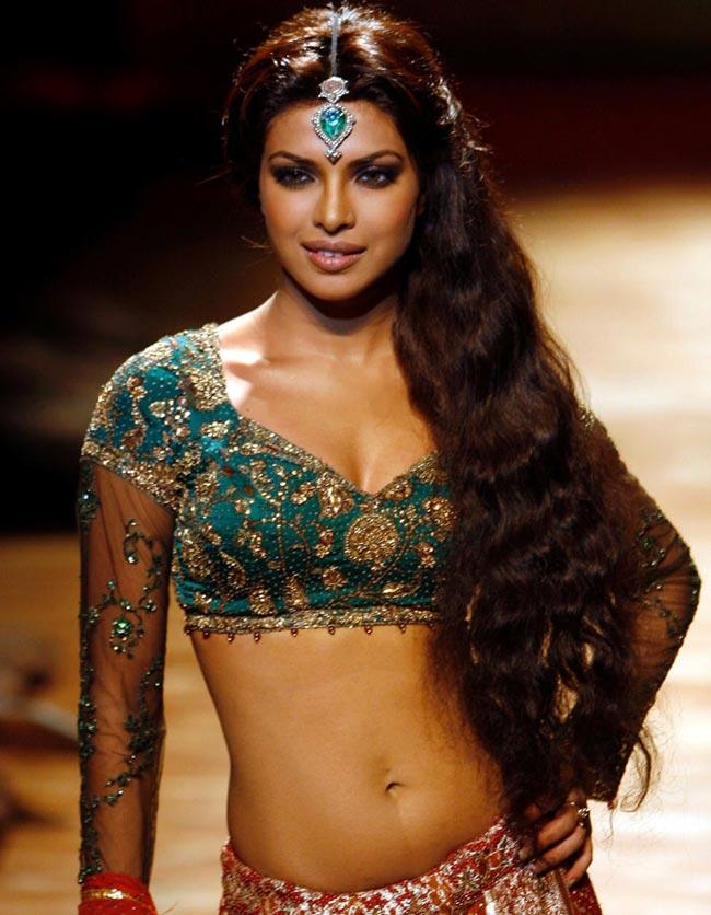 MostBeautifulWomenOnEarth-PriyankaChopra1