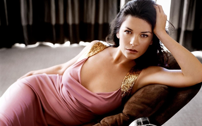 WorldMostBeautifulWomen-Catherine-Zeta-Jones