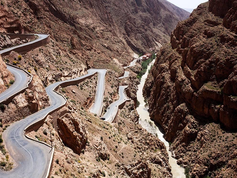 CutiingCorners-Road-of-a-thousand-kasbahs-Dades-Gorge-Morocco